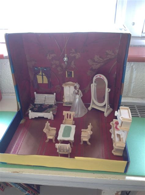 graders diorama project explores anne franks story heights