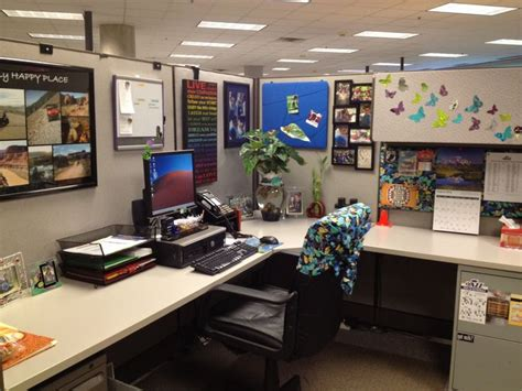 desk decoration themes in office cubicles the butterfly and butterflies on pinterest