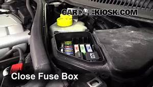Replace A Fuse  2004-2010 Volkswagen Touareg