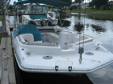 Deck Boat Yamaha by Hurricane Deck Boat F115 Yamaha The Hull Boating