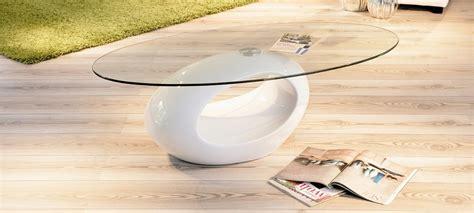 la chambre ovale table basse design ronde blanche symbiose