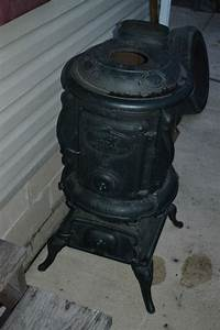 Antique Cast Iron FOSTERS Maple No.16 Pot-Belly Stove ...
