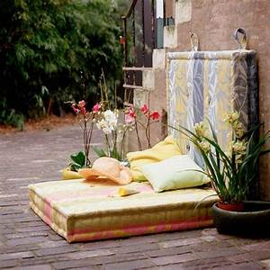 Garten Lounge Kissen : garten lounge gartenecke gesteppte matratzen kissen orchideen terasse pinterest deko ~ Markanthonyermac.com Haus und Dekorationen