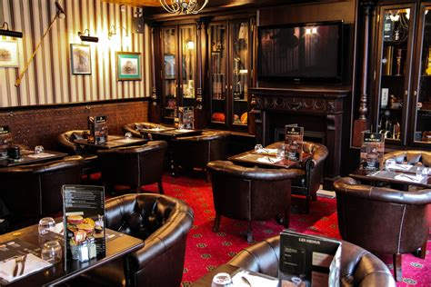brasserie au bureau en plein travaux quot au bureau quot le nouveau pub brasserie