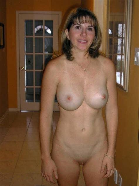 Great Knockers Milf Milfs Pictures Pictures Search Query Happy Milf Luscious