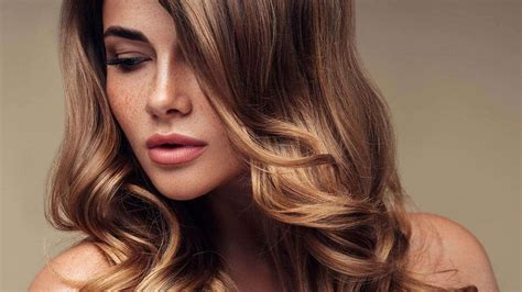 how to color hair at home how to highlight your hair at home l or 233 al