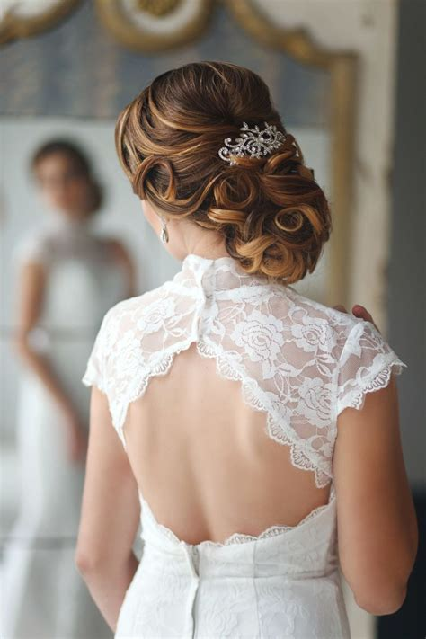 Elegant Wedding Hairstyles Part II: Bridal Updos   Tulle