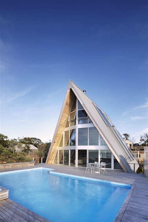 frame house rethink  bromley caldari architects wowow home magazine