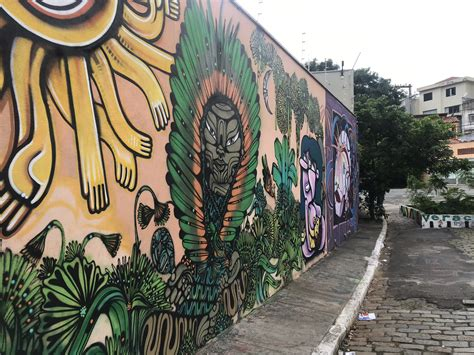 VIA em São Paulo: a Arte Urbana do Beco do Batman