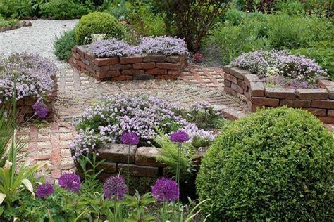 Gartengestaltung Mit Hochbeet by Gemauertes Hochbeet Aus Historischen Klinkern Mit Thymian