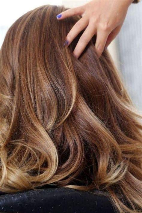 couleur marron avec meche coiffure coiffure2017 cheveux tendance tendance2017 couleur de