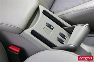 Frein A Main Megane 2 : bouton frein a main megane 2 blog sur les voitures ~ Medecine-chirurgie-esthetiques.com Avis de Voitures