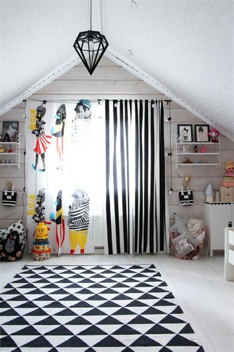 Kinderzimmer Junge Schwarz Weiss by Kindergardinen Mit Lustigen Mustern Beleben Das Kinderzimmer