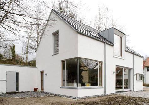 Moderne Häuser Mit Eckfenster by Einfamilienhaus Mit Klarer Formgebung Und Details Sowie