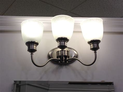 Traditional Bathroom Lighting Fixtures by Light Fixtures Traditional Bathroom Vanity Lighting