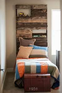 Comment Faire Un Lit En Palette : t te de lit en palette 31 nouvelles id es pour votre chambre ~ Nature-et-papiers.com Idées de Décoration