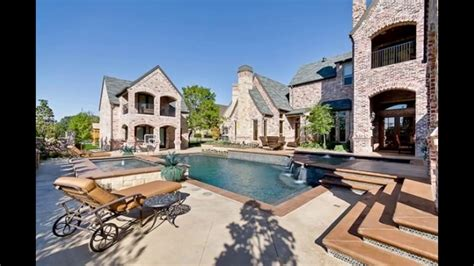 top nfl players home  marshawn lynchs bay area