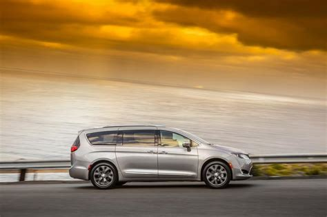 2018 Chrysler Pacifica Lease Deals Ct