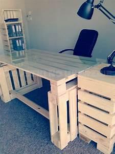 Construire Un Bureau : 3 palettes sont suffisants pour construire un bureau pur le ordinateur projets essayer ~ Melissatoandfro.com Idées de Décoration