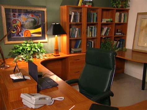 arranging a home office diy