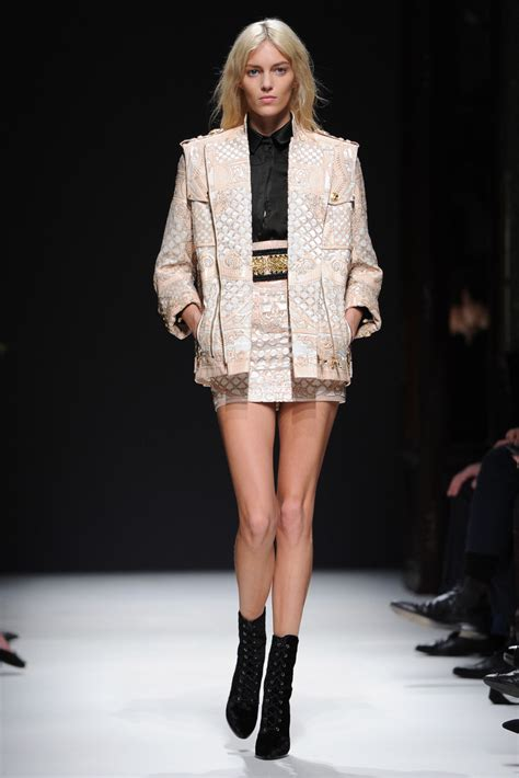 anja rubik anja rubik  balmain runway paris fashion week womenswear fallwinter