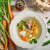Dzidrā vistas zupa ar dārzeņiem un klimpām - DELFI