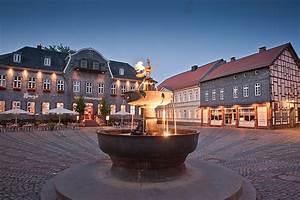 Deko Markt Goslar : marktplatz und marktbrunnen goslar am harz unesco weltkulturerbe ~ Buech-reservation.com Haus und Dekorationen