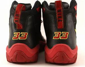 Lot Detail - 2006 Alonzo Mourning Miami Heat NBA Finals ...