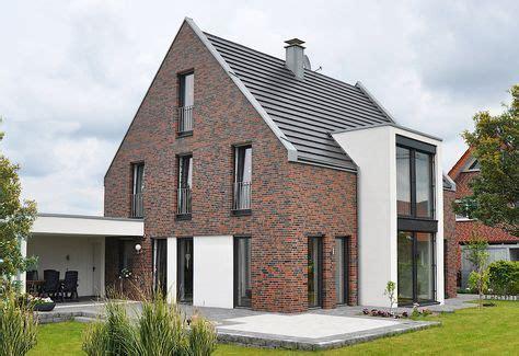 Einfamilienhaus Kompaktes Ziegelhaus Mit Erdwaermepumpe by Klinkerhaus Haus Eins Metelen Facade 2019