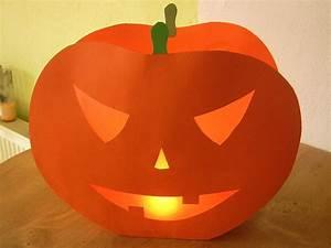 Gruselige Bastelideen Zu Halloween : halloween papier k rbis aus tonpapier basteln ~ Lizthompson.info Haus und Dekorationen
