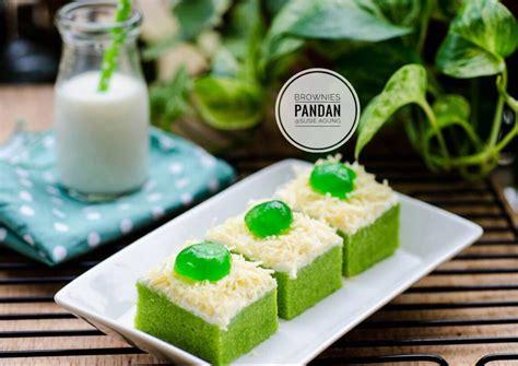 Strawberry cheese cake ini cantik dan enak lho teman teman. Brownies kukus pandan | Resep | Makanan, Resep, Memanggang kue