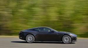 Nouvelle Aston Martin : nouvelle aston martin vantage 2018 infos officielles ~ Maxctalentgroup.com Avis de Voitures