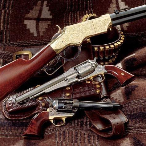 strange olde west guns and rifles engraved rifle 6 gun guns percussion