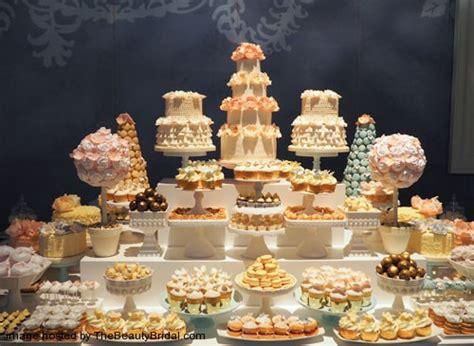 Omg Luxury Wedding Cake In The Uae Wedding Dress