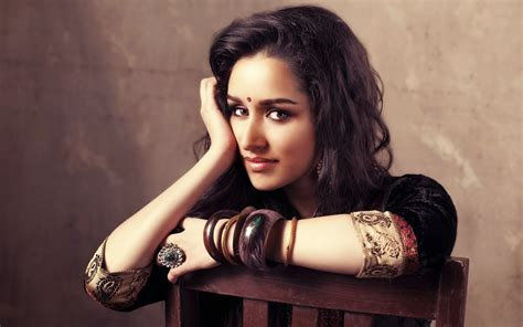 Shraddha Kapoor Hd Wallpapers & Pictures