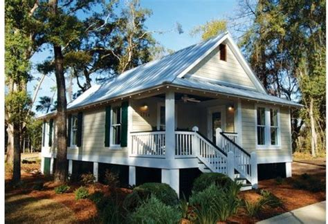 cabin style house plans cottage style house plan 3 beds 2 00 baths 1025 sq ft