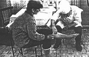 При болях в коленном суставе к какому врачу