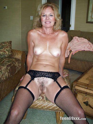 Mature Amateur Nudes