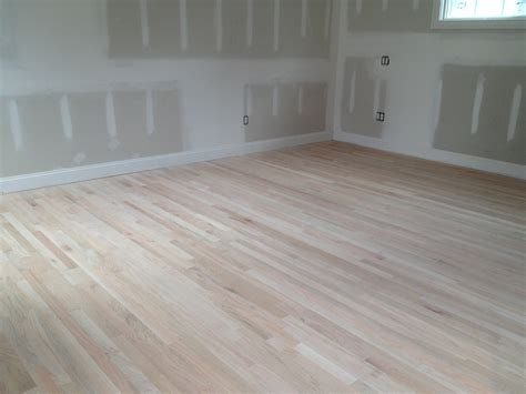 Red Oak Vs White Oak Hardwood Flooring Which Is Better Bassett Furniture Catalog Used Altoona Pa Stores In Columbia Md That Deliver Kroger Patio Solid Hardwood Assembling Bars