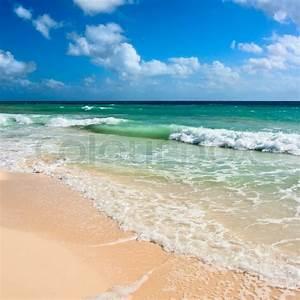 Bilder Meer Strand : sch ner strand und wellen der karibik meer stockfoto colourbox ~ Eleganceandgraceweddings.com Haus und Dekorationen