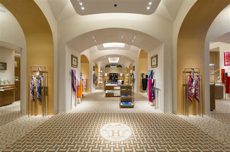 Hermes triples size of Moscow's Red Square store - News ...
