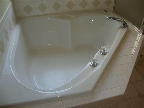 Big Soaker Tub by Create A Scenery By Enjoying Bath Session On