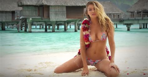 12 Beautiful Women Who Can't Stop 'Straddling' on ...
