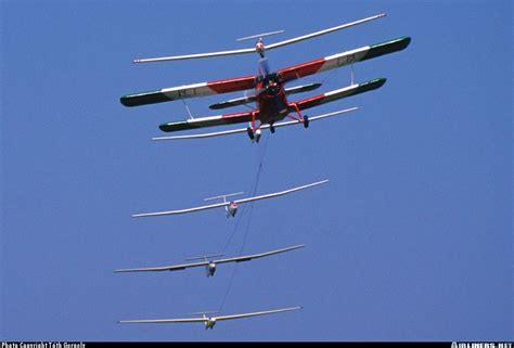 Antonov AN-2 pulling 5 gliders   Gliders, Biplane, Aircraft