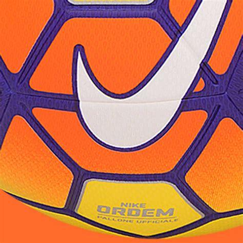 Nike Ordem Hi-Vis 15-16 Serie A Winterball veröffentlicht ...