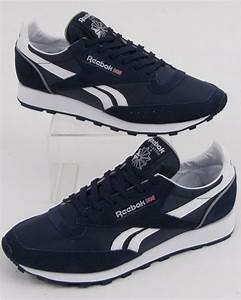 Reebok Classic 83 Trainers In Navy And White