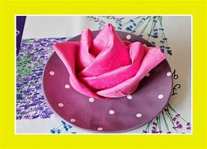 Rose Aus Serviette Drehen : 25 einzigartige servietten falten rose ideen auf pinterest servietten falten anleitung rose ~ Frokenaadalensverden.com Haus und Dekorationen