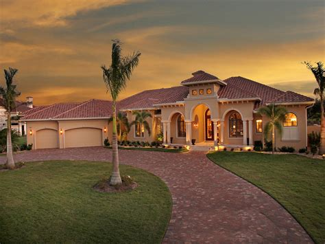 4 Bedrm, 4934 Sq Ft Tuscan House Plan #175-1150