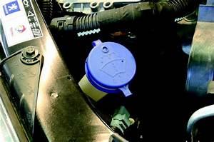 Liquide Essuie Glace : faire l 39 appoint du liquide de lave glace entretenir sa 206 soi m me sur l 39 internaute ~ Medecine-chirurgie-esthetiques.com Avis de Voitures