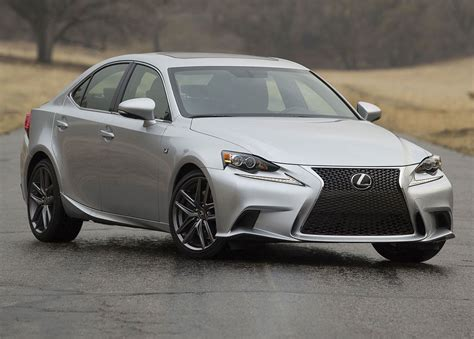 lexus  awd review